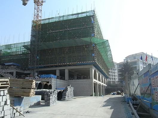 该建设项目位于青岛大学中心校区浩园